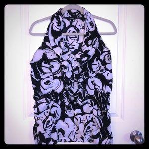 Express Stretchy Sleeveless Black & White Blouse